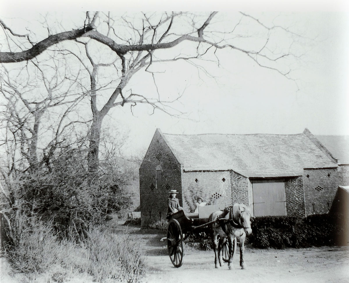 old picture of Poplar Farm